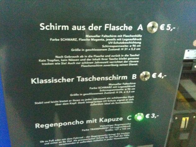 Besonders lustig: Schirm aus der Flasche für 5,- Euro