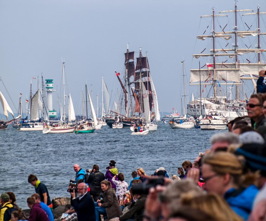 Großer Andrang bei der Windjammerparade 2015 in der Kieler Förde. (Foto: Christoph Krenz)