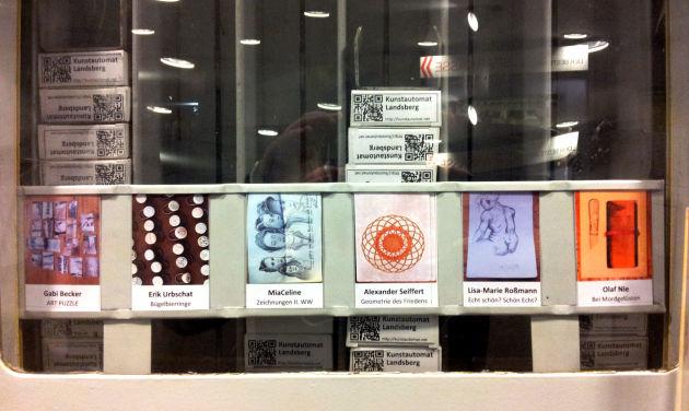 Kunst ganz günstig: 5.- Euro kostet das kleine, zigarettenschachtelgroße Exponat