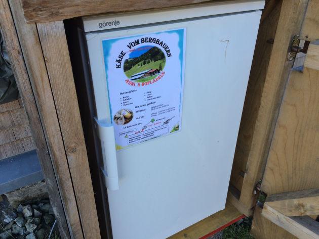 ... nämlich ... ein Kühlschrank! ;-)